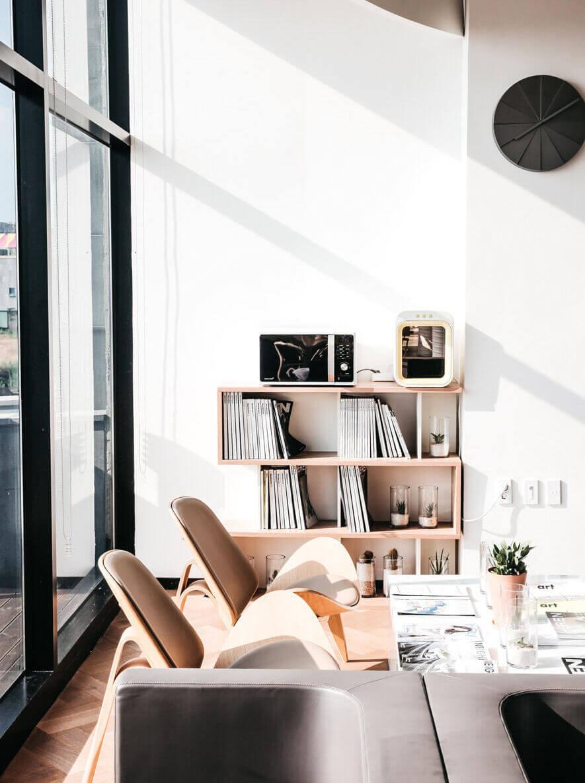 Besedo photo marketplace office